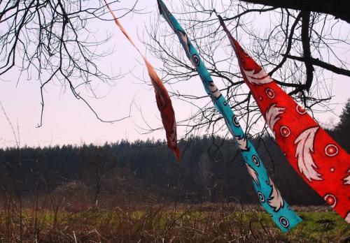flying_feathers_batik_agnieszka_kazała-b